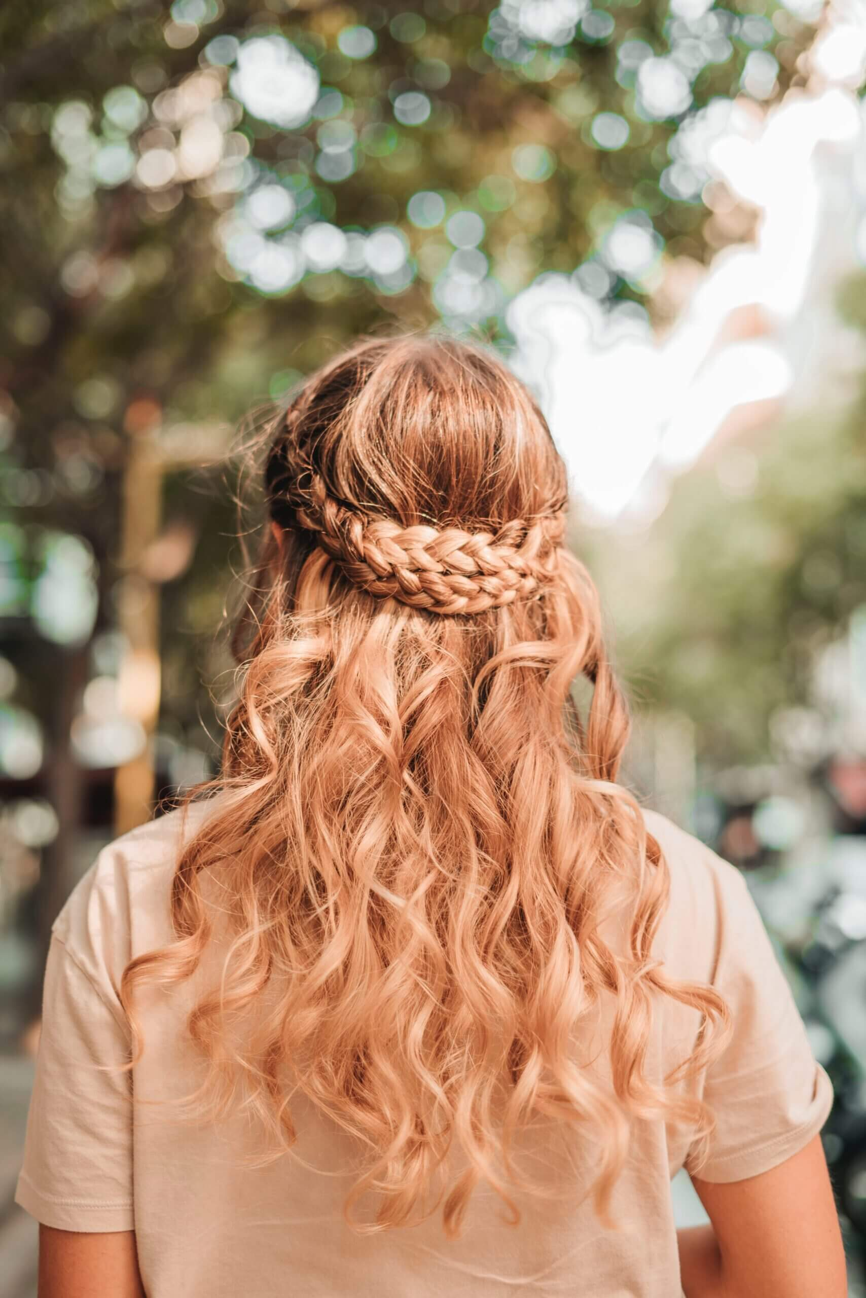Movable curls